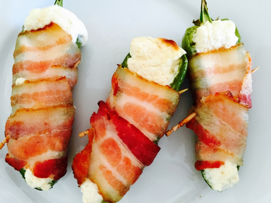jalapeño poppers wrapped in bacon